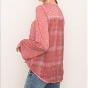 Mystree sweater NWT med/large